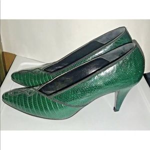 Susan Bennis Green Multi Leather 8 1/2 B fit 7 1/2